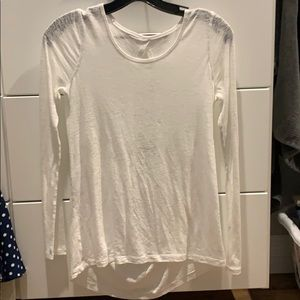 GUC Distressed Lululemon L/S size 4